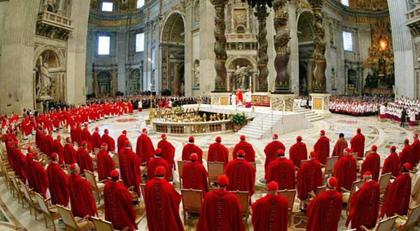 Las finanzas del Vaticano, blanco del nuevo escándalo del 'VatiLeaks'