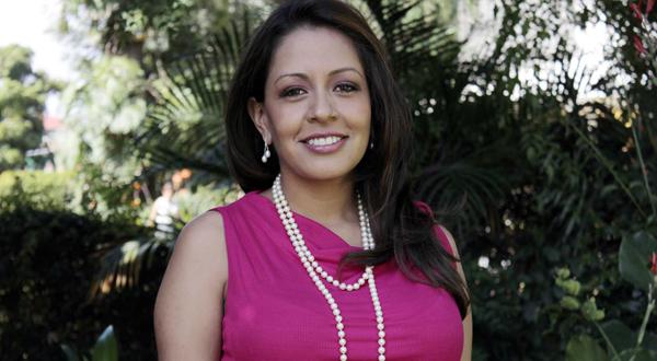 Mariana Benítez, ¿una tercera vía?