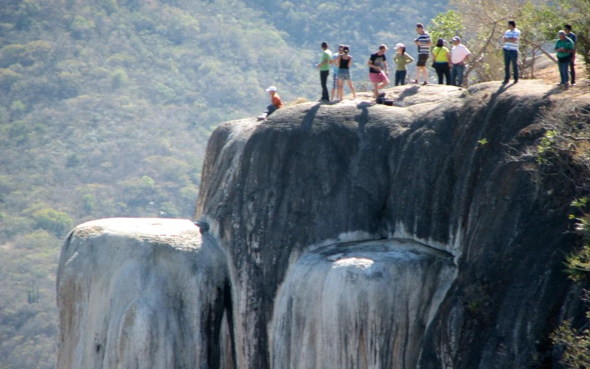 Fallece por hipertensión en las cascadas de Hierve el Agua