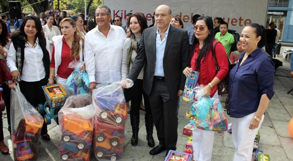 Más de 10 mil juguetes reunidos por DIF Municipal y Grupo Radio Méxicoserán entregados a niñas y niños de Oaxaca