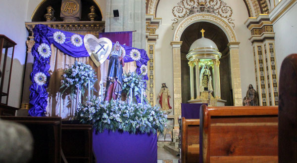 """""""Altar de Dolores"""", simbolismo e identidad de Oaxaqueños"""