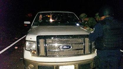 Cansados de ser asesinados y extorsionados se arman y matan a jefe de plaza en Zirandaro