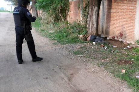 Indigente es encontrado sin vida al lado de escuela en Xoxocotlán