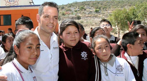 Gestiona Alejandro Murat 471 mdp de recursos federales para programas de educación: IEEPO