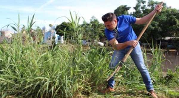 Para garantizar y promover el cuidado del medio ambiente; Raúl Cruz encabezó la limpieza del margen del río salado