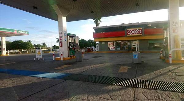 Clausuran gasolinera por incumplimiento de la licencia