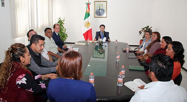 Reunión cordial entre magistrada Villanueva y dirigentes sindicales