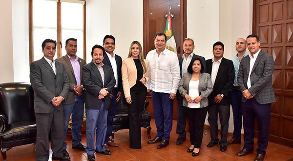 Van Oswaldo García Jarquín y Colegio de Arquitectos de Oaxaca por conservación del patrimonio arquitectónico