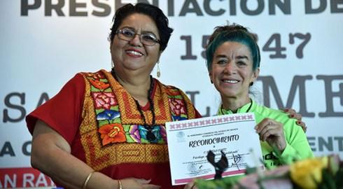 Reconoce Legislativo a escritora que difunde bellezas de México en Australia