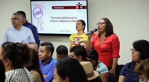 """Se realiza Conversatorio """"Derechos políticos de las mujeres indígenas en Oaxaca"""