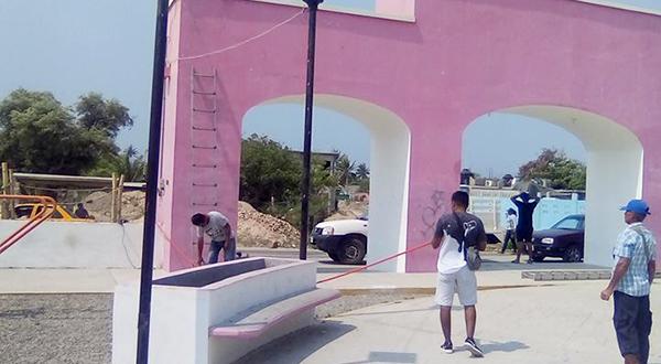 Pese a los robos; Las Salinas avanza hacia el progreso