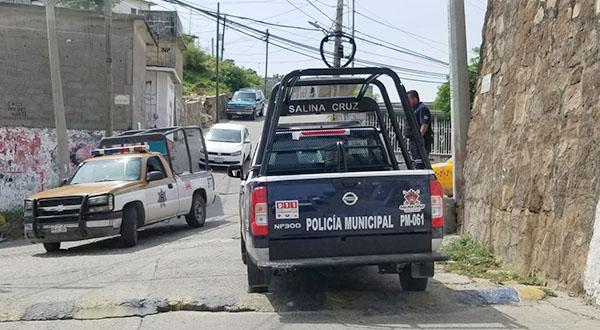 Policías recorren las colonias para garantizar la seguridad