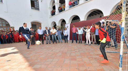 """Inaugura Oswaldo García torneo infantil de futbol """"Copa Ciudad de Oaxaca 2019"""""""