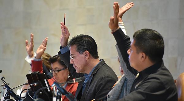 Aprueba Legislativo calendario de comparecencias de 17 funcionarios estatales