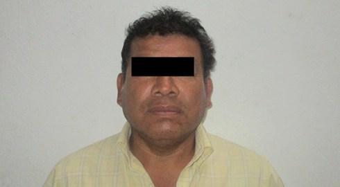 Policía Municipal detiene a persona como presunta responsable del delito de fraude, así como asegura vehículo con reporte de robo