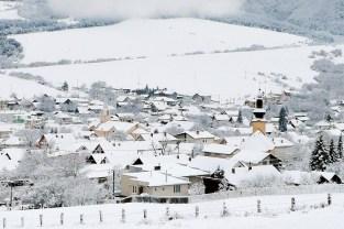 Obec Vitaz pod snehom 2015 P1310560