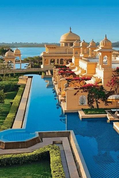 5 Star Hotels Resorts In Udaipur Near Lake Pichola The