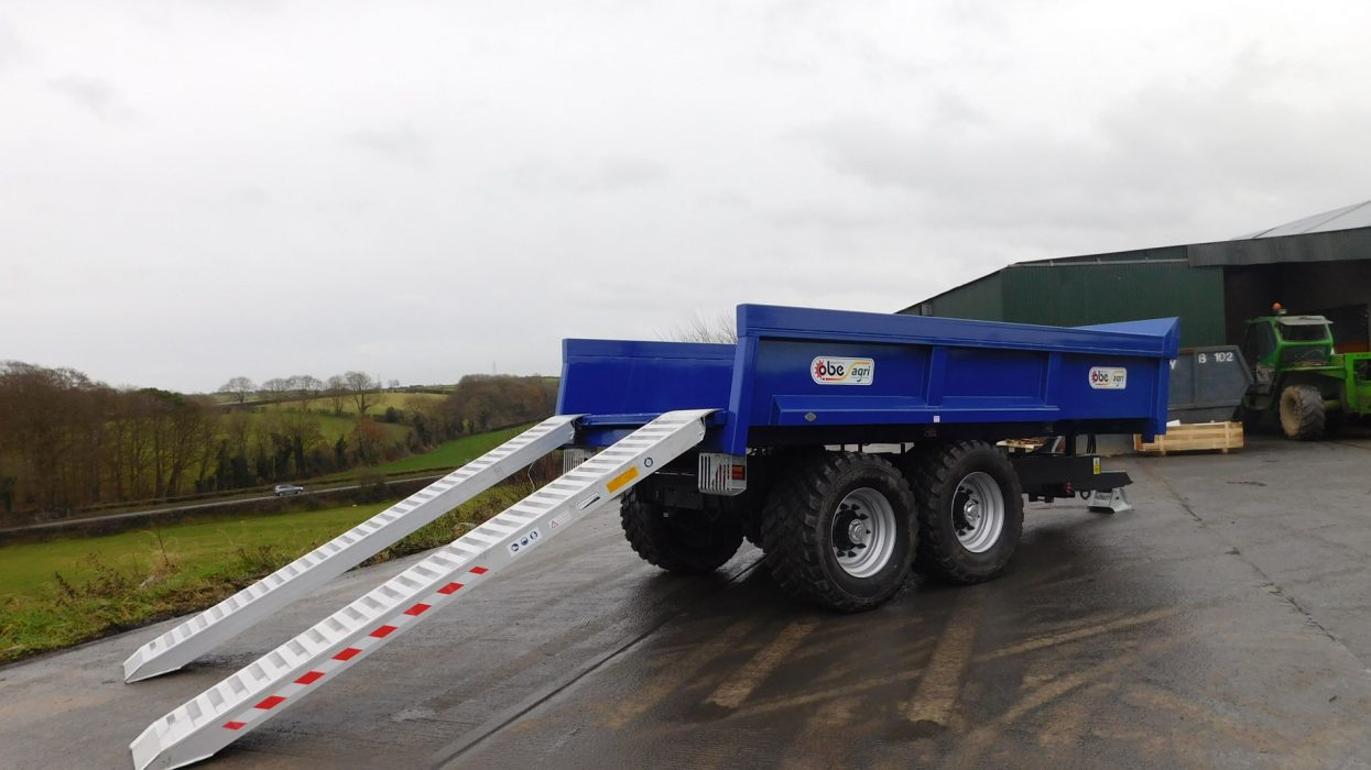OBE Agri blue dump trailer with ramps