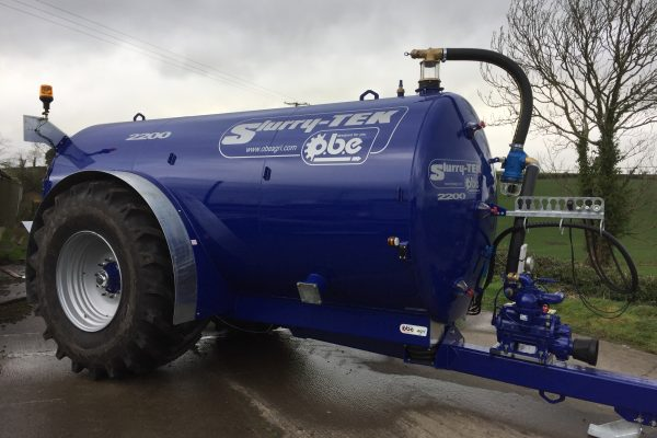 2200 gallon low centre gravity tanker