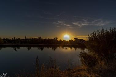 Coucher de soleil sur Saint Sylvain d'Anjou (Maine et Loire)3