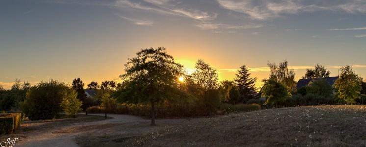 Coucher de soleil sur Saint Sylvain d'Anjou (Maine et Loire)5