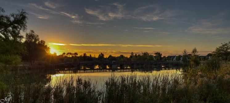 Coucher de soleil sur Saint Sylvain d'Anjou (Maine et Loire)7