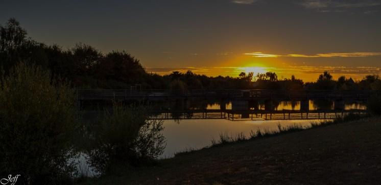 Coucher de soleil sur Saint Sylvain d'Anjou (Maine et Loire)8