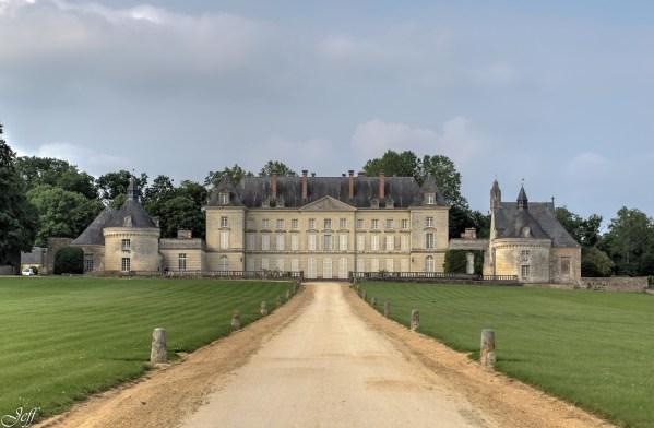 Maze - le chateau de Montgeoffroy-3