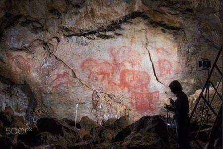 О том, как СМИ любят сенсации или о создании фейковых древних пещер