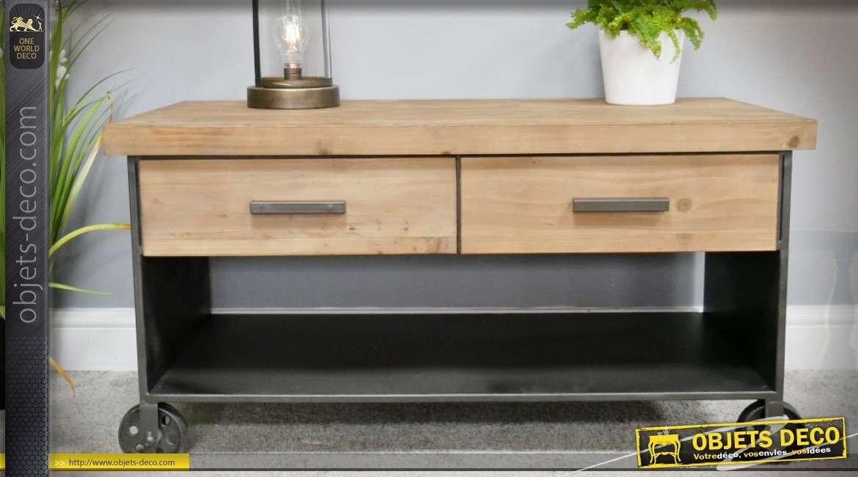 table basse de style industriel sur roulettes en bois et metal 95 cm