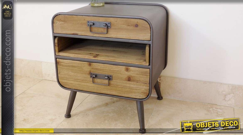 table de nuit en bois et metal de style industriel et vintage