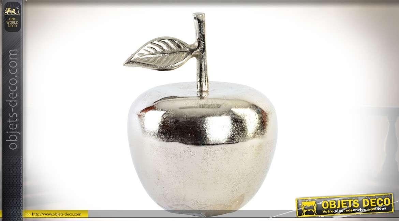 objet decoratif en aluminium argente en forme de pomme decorative