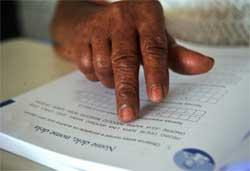 Projeto Zé Peão alfabetiza operários no local de trabalho