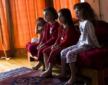 """Dieta da """"tele"""" pode evitar obesidade infantil e gordura em adultos (Imagem: greekadman: http://www.flickr.com/photos/papazimouris/3183558876/)"""