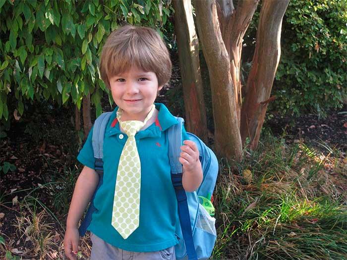 Menino Pré Escolar Escola Mochila Infância Criança