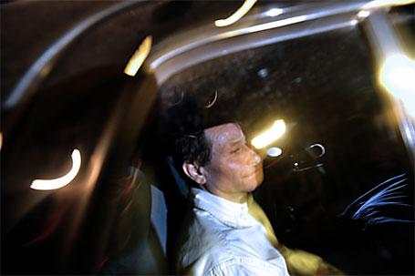 Cesare Battisti deixando a prisão