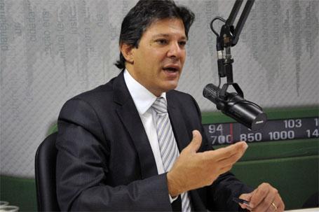 Foto do ministro da educação Fernando Haddad