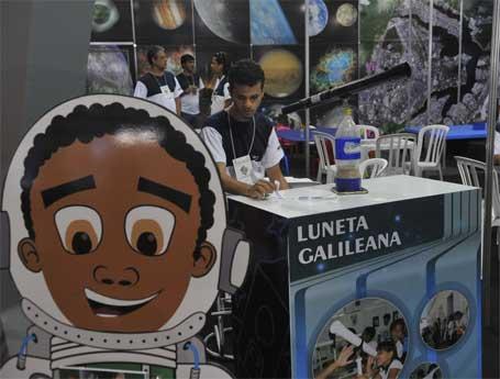 Foto 1 - Experimentos expostos na 8ª Semana Nacional de Ciência e Tecnologia