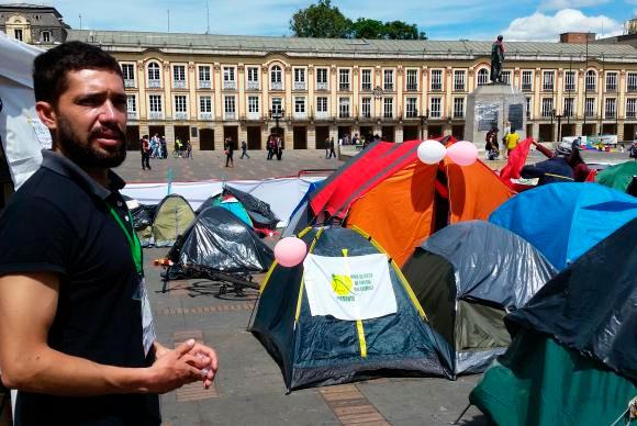 Jovens pressionam por acordo de paz imediato (foto: Agência Brasil)