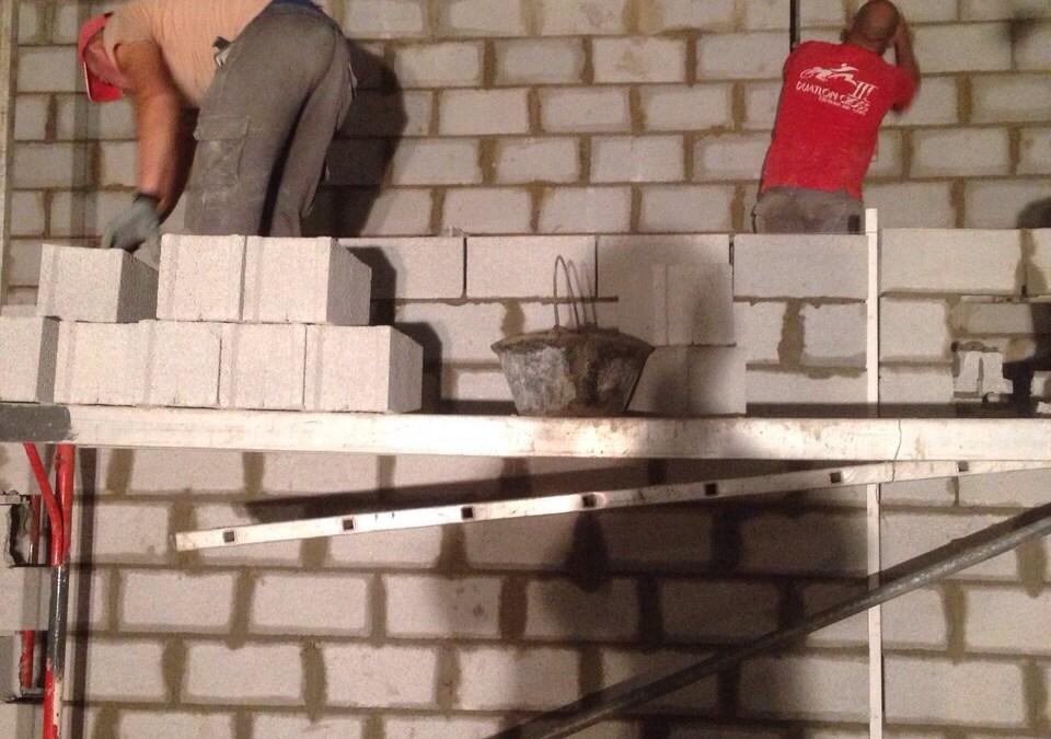 Construir paredes de bloques de hormigón o alemán