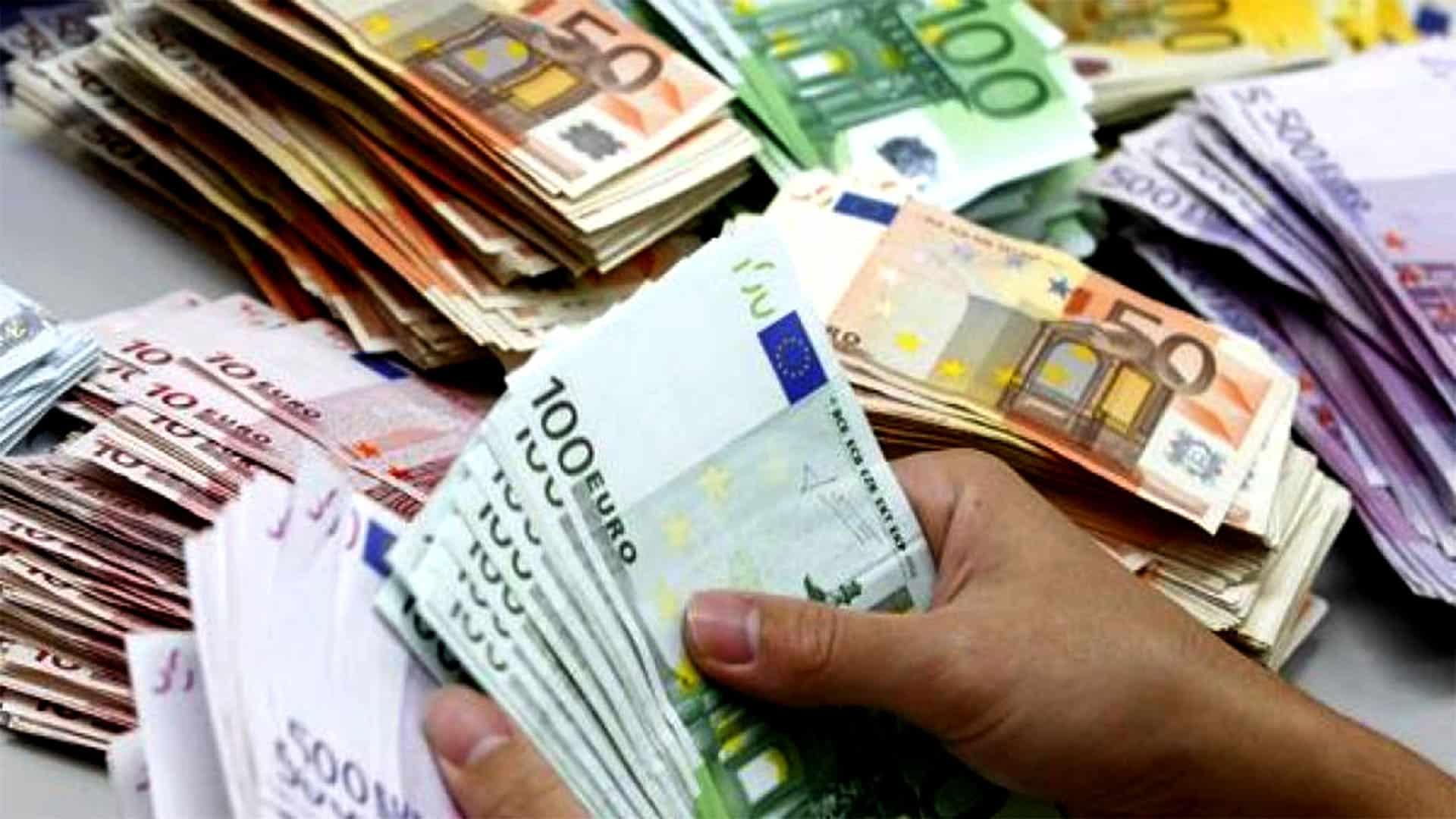 Taux de change : Légère hausse de l'euro face au dinar algérien au marché noir