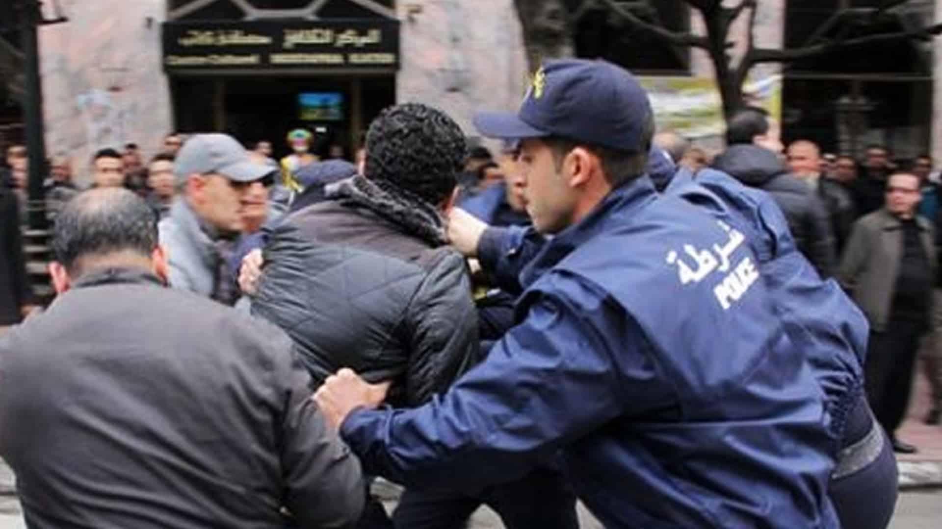 Algérie : Des détenus du Hirak en grève de la faim évacués à l'hôpital