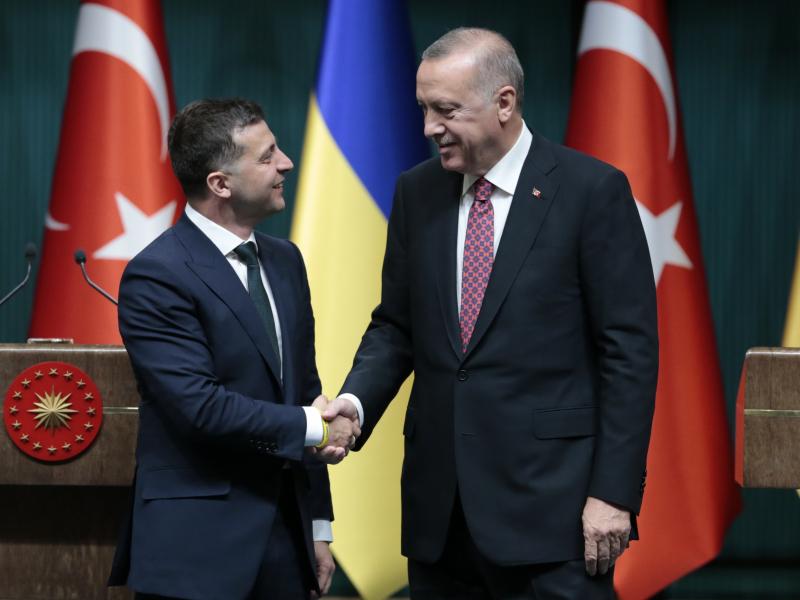 Qu'espère en tirer Kiev de ses relations avec la Turquie
