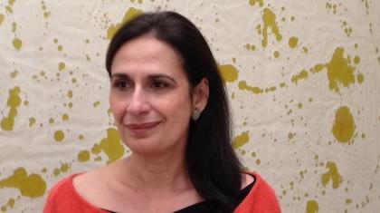 Nina Rodrigues-Ely, directrice éditoriale, spécialiste de l'art contemporain et du marché de l'art