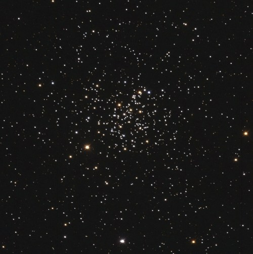 small resolution of true color image of m67 open cluster obtained on 2012 mar 15 with 60 cm f 3 3 deltagraph telescope and astrodon bvrc photometric filters