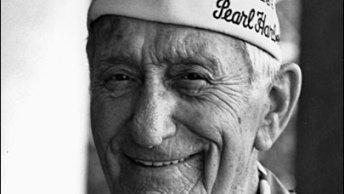 111206-Pearl-Harbor-Burials