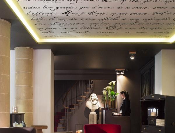 Réception0©HOTEL MOLIERE_lamodecnous.com-la-mode-c-nous_livelamodecnous.com_live-la-mode-c-nous_lmcn_livelamodecnous