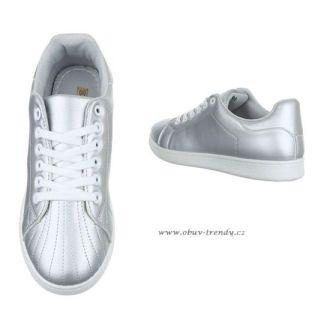stříbrné tenisky