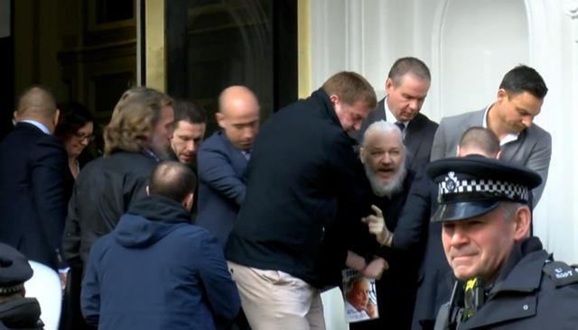 违反保释规定 维基解密创始人阿桑奇被判入狱50周