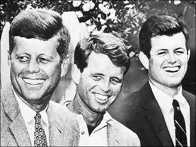 Bush Family vs Kennedy Family – Which Was/Is Worse?